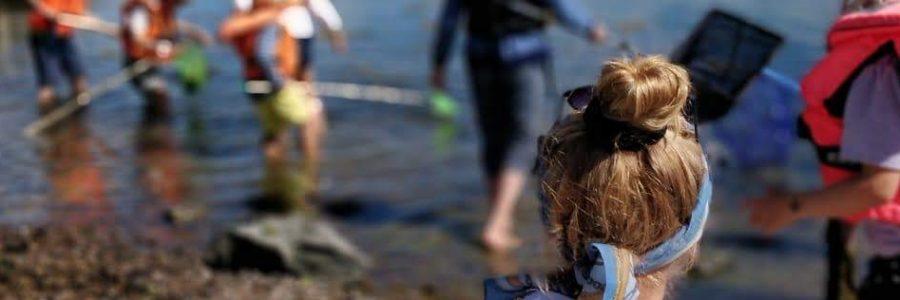 I Knattelabbet undersökte barnen vattenkvaliteten / Lapset tutkivat veden laatua kesäisessä Korppoossa