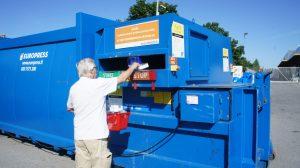 Jätteen kierrätystä