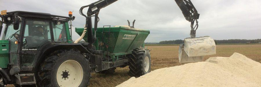 Rakennekalkkia kokeillaan maatalouden vesiensuojelukeinona Eurajoella, Turussa ja Paimiossa – esittely Eurajoella 19.11.2019