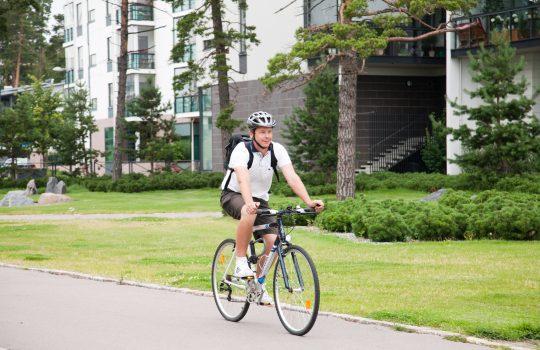 Korona-aika on kasvattanut kävelyn ja pyöräilyn suosiota