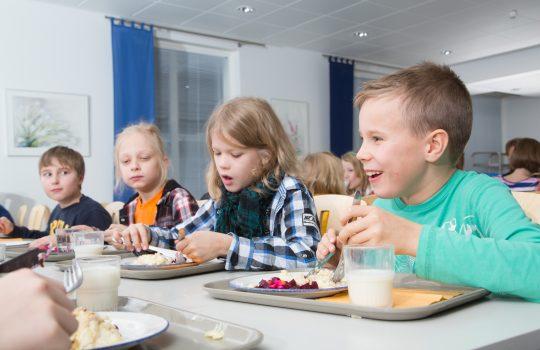 Porin kouluissa pyritään ruokahävikin vähentämiseen